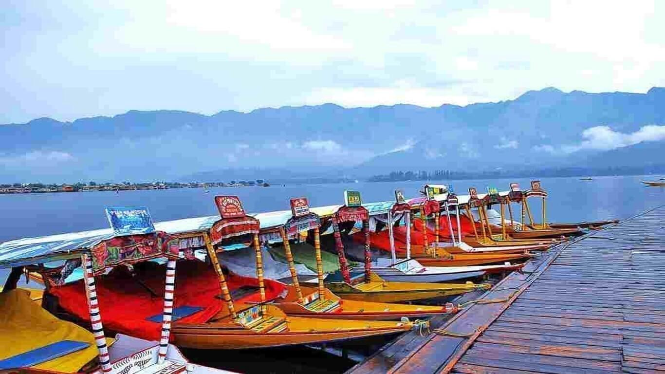 Vashnodevi Darshan Package with Kashmir Tour